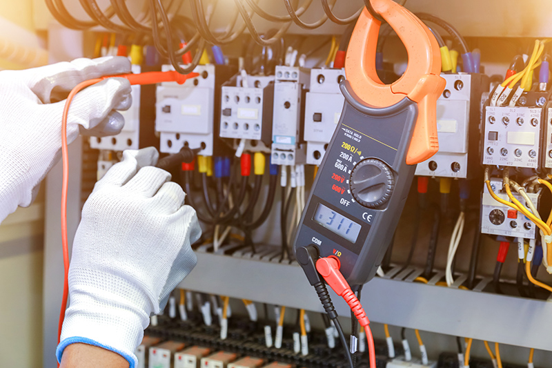 How To Become An Electrician in Wolverhampton West Midlands